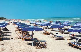 6 persoons appartement in Silvi Marina, strand en zwembad